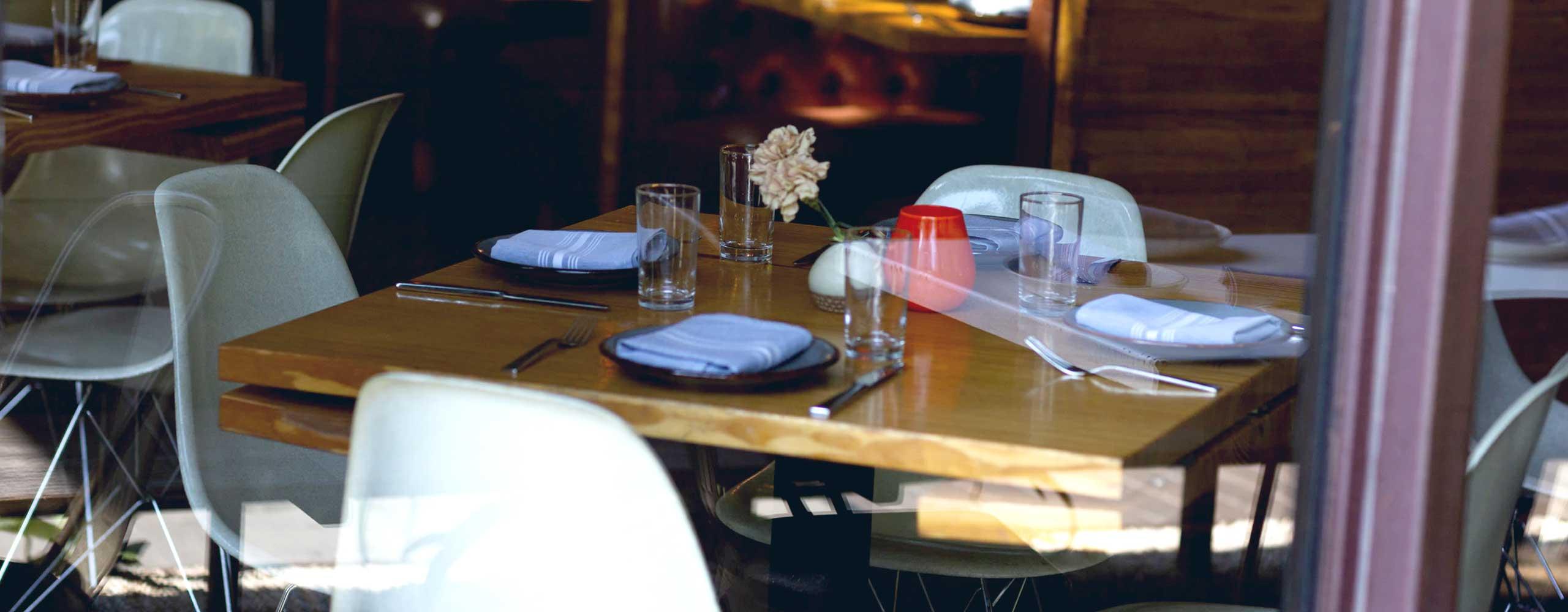 Empty restaurant photo